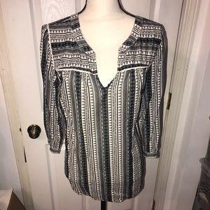 Gap patterned tunic